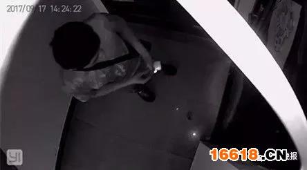 细思极恐!锁匠要10分钟才能开的门锁 他10秒搞定