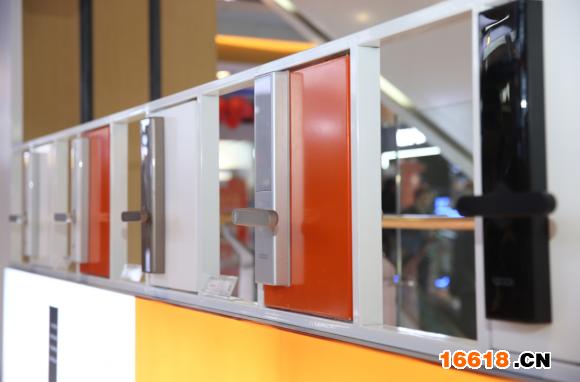 智能家居入口:苏宁云店3.0打造智能门锁体验专区_亚博